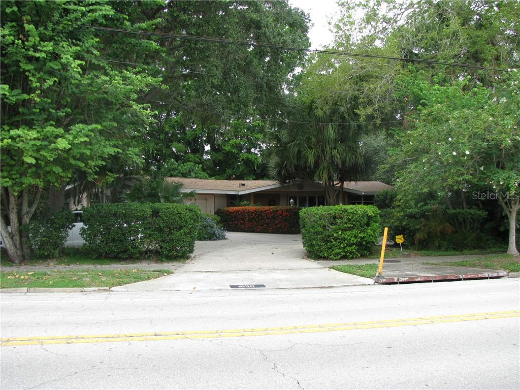 Single Family Home for sale at 1630 S Orange Ave, Sarasota, FL 34239 - MLS Number is A4410056