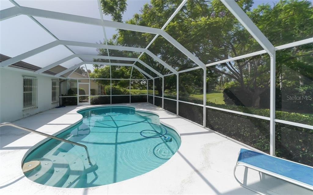 Single Family Home for sale at 4502 Hamlets Grove Dr, Sarasota, FL 34235 - MLS Number is A4410682