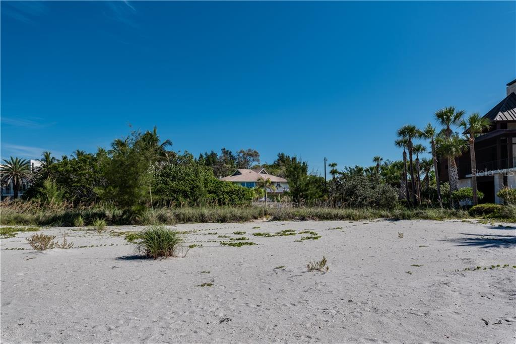 Gorgeous beach, private setting - Single Family Home for sale at 6661 Gulf Of Mexico Dr, Longboat Key, FL 34228 - MLS Number is A4410988