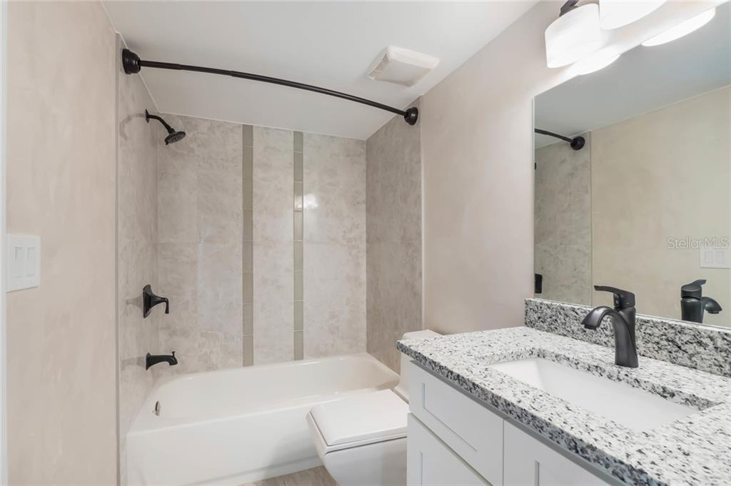 Bathroom - Condo for sale at 826 Bird Bay Way #112, Venice, FL 34285 - MLS Number is A4413103