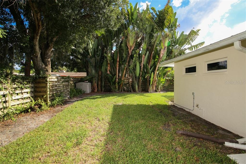 Single Family Home for sale at 975 S Osprey Ave, Sarasota, FL 34236 - MLS Number is A4413341