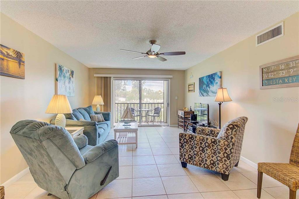 Living Room - Condo for sale at 925 Beach Rd #107b, Sarasota, FL 34242 - MLS Number is A4413716