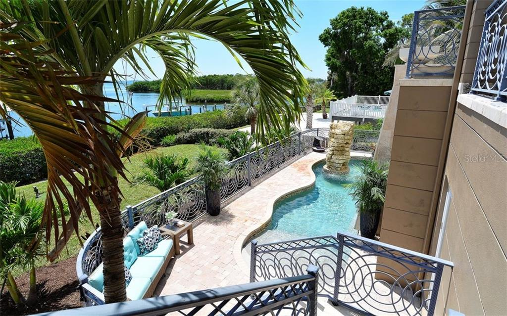 Single Family Home for sale at 7064 Hawks Harbor Cir, Bradenton, FL 34207 - MLS Number is A4414309