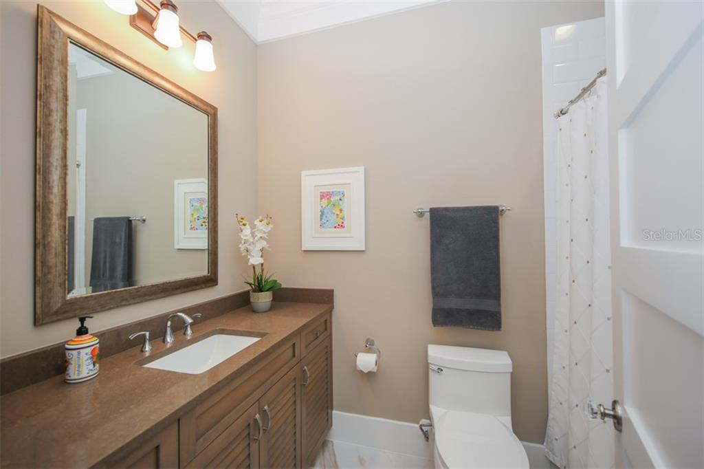 Bathroom 3 - Single Family Home for sale at 4847 Primrose Path, Sarasota, FL 34242 - MLS Number is A4415116