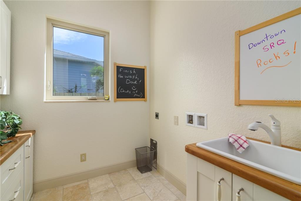 Laundry Room with Wash Basin - Single Family Home for sale at 1019 S Osprey Ave, Sarasota, FL 34236 - MLS Number is A4415337