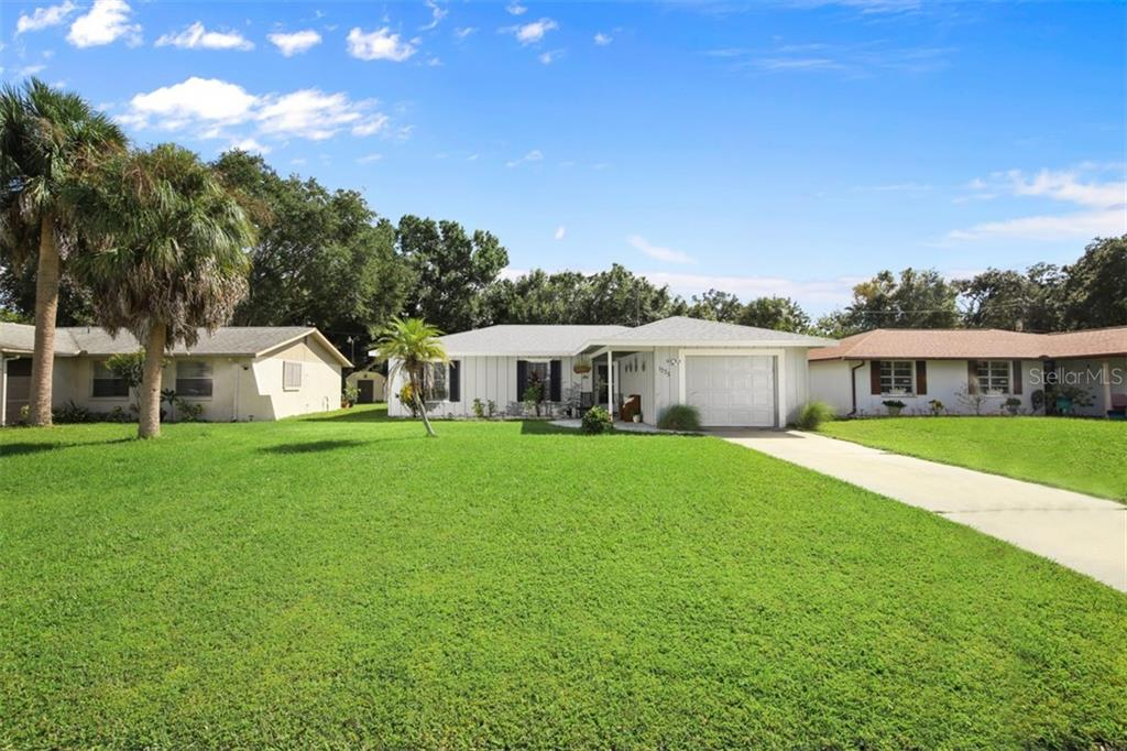 Single Family Home for sale at 1335 Karen Dr, Venice, FL 34285 - MLS Number is A4415543