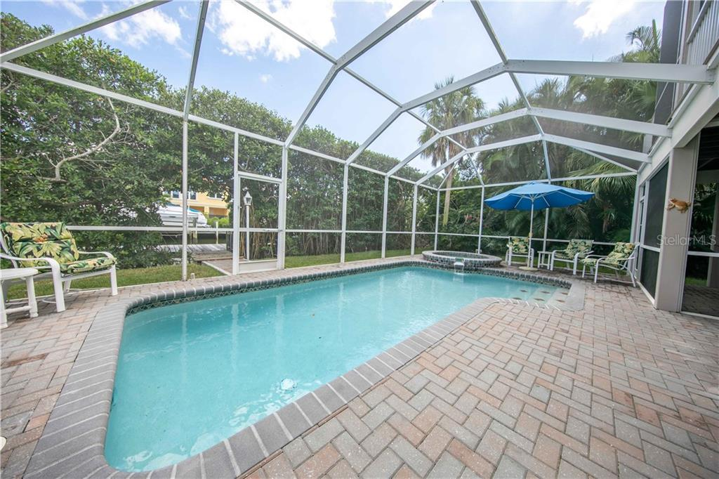 Paradise! - Single Family Home for sale at 660 Marbury Ln, Longboat Key, FL 34228 - MLS Number is A4415911