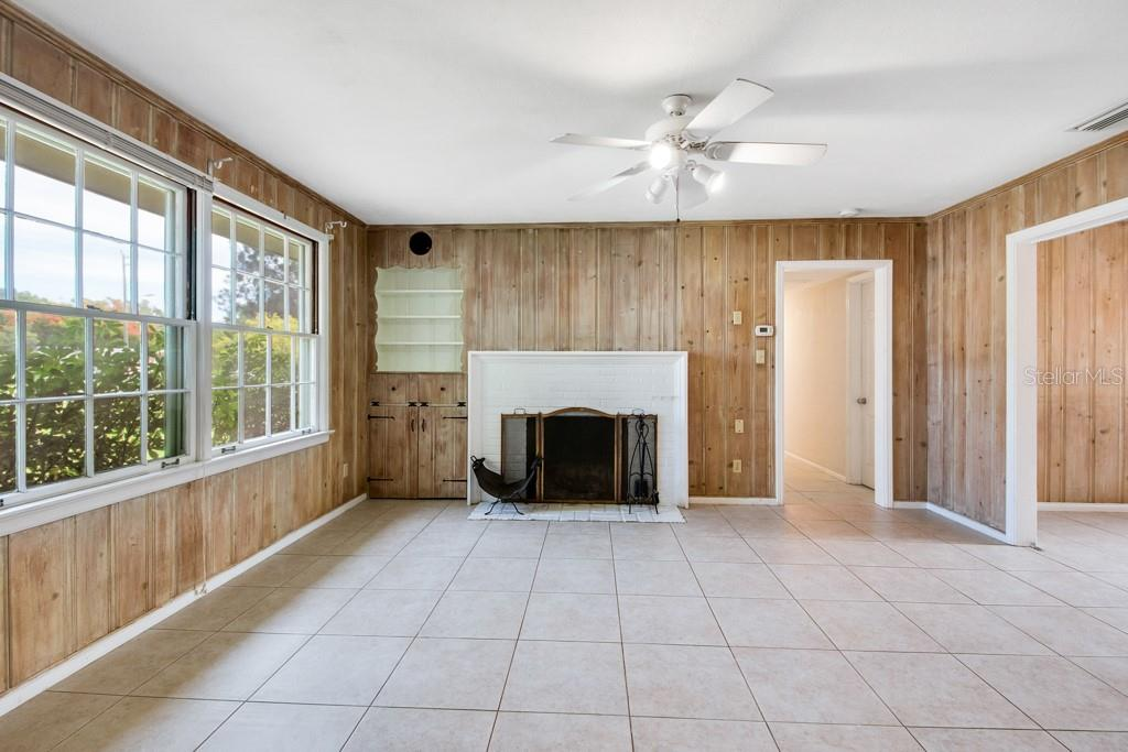 Single Family Home for sale at 2154 Webber St, Sarasota, FL 34239 - MLS Number is A4416014
