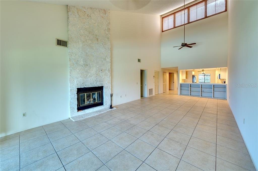 Vaulted ceilings with extra windows for plenty of light. - Condo for sale at 3920 Mariners Way #323a, Cortez, FL 34215 - MLS Number is A4416115