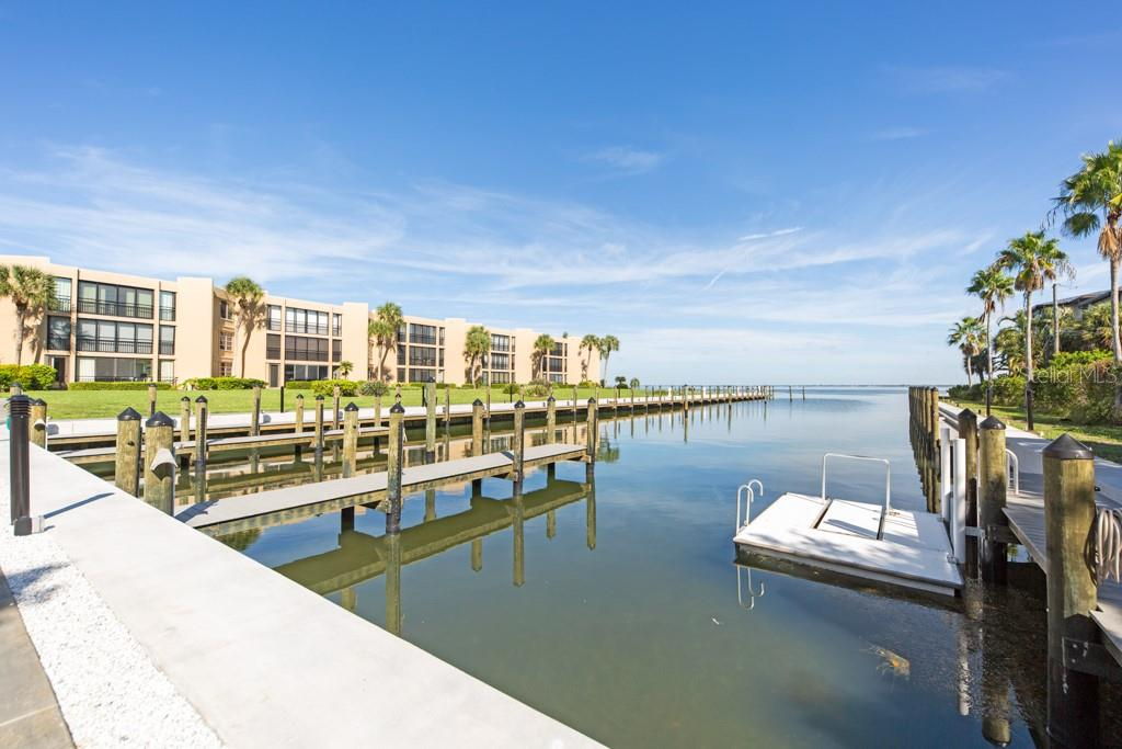 Condo for sale at 450 Gulf Of Mexico Dr #b107, Longboat Key, FL 34228 - MLS Number is A4418457