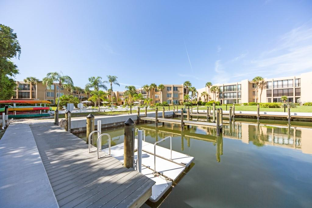 The beautiful pool. Meet your  neighbors here. - Condo for sale at 450 Gulf Of Mexico Dr #b107, Longboat Key, FL 34228 - MLS Number is A4418457