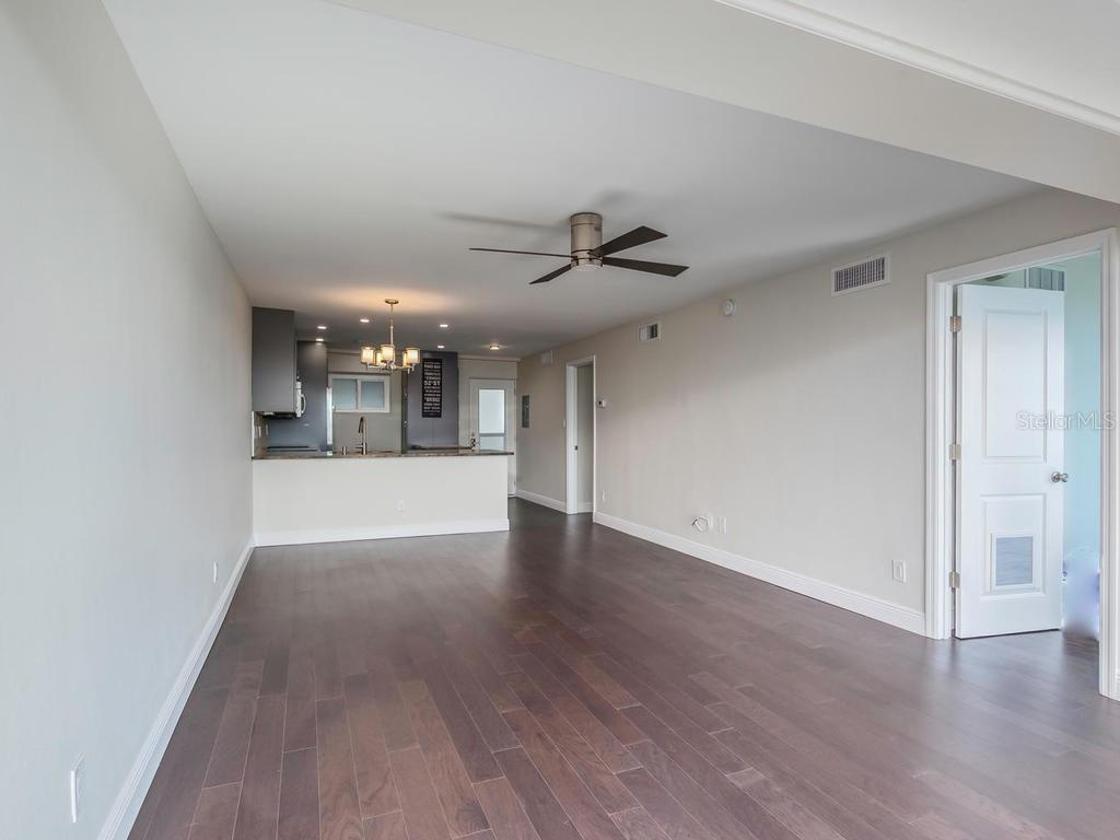 Open Living and Dining Rooms. - Condo for sale at 33 S Gulfstream Ave #706, Sarasota, FL 34236 - MLS Number is A4419314