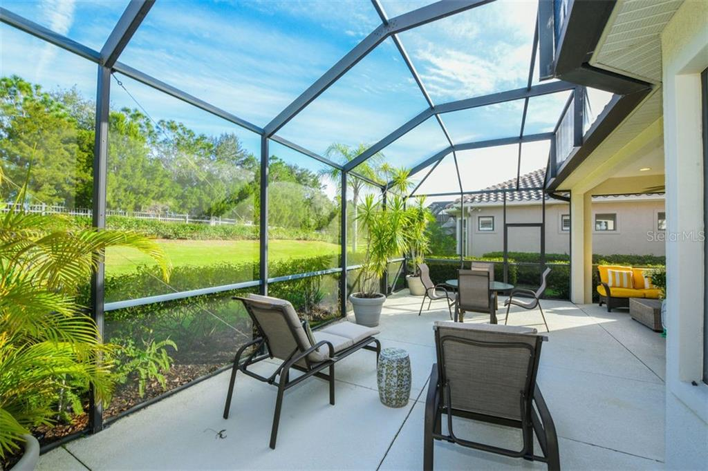 Single Family Home for sale at 7223 Presidio Gln, Lakewood Ranch, FL 34202 - MLS Number is A4420378