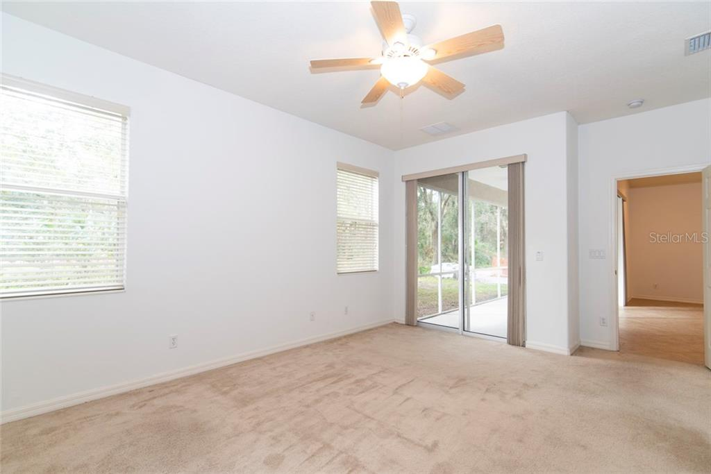 Master Bedroom - Single Family Home for sale at 4906 60th Dr E, Bradenton, FL 34203 - MLS Number is A4422051