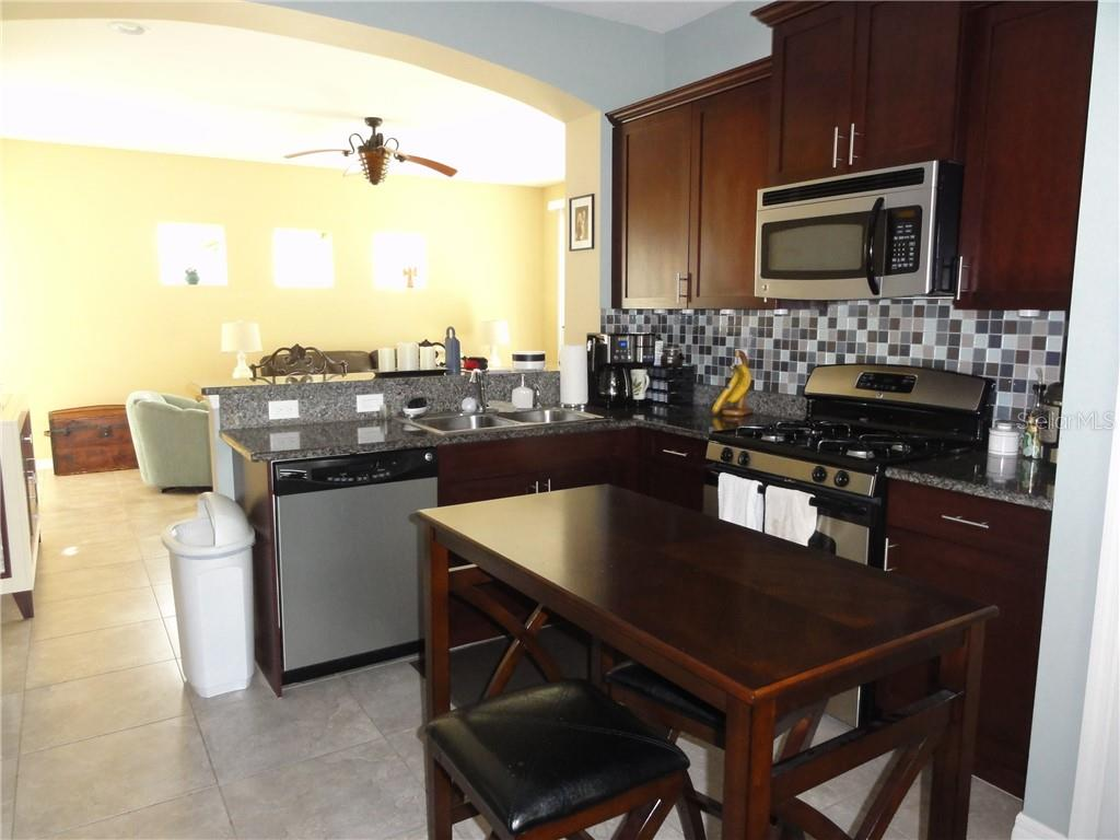 Single Family Home for sale at 4911 Newport News Cir, Lakewood Ranch, FL 34211 - MLS Number is A4422394
