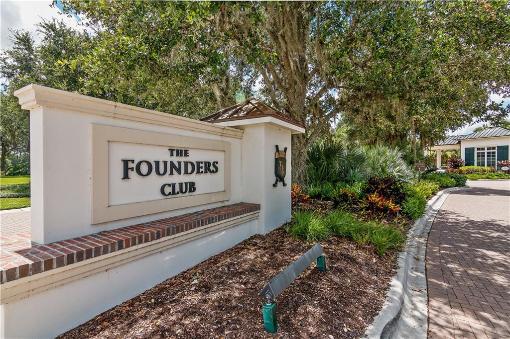 Single Family Home for sale at 3254 Founders Club Dr, Sarasota, FL 34240 - MLS Number is A4422452