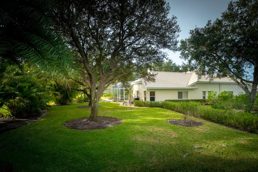 Private Backyard - Single Family Home for sale at 7791 Alister Mackenzie Dr, Sarasota, FL 34240 - MLS Number is A4422525