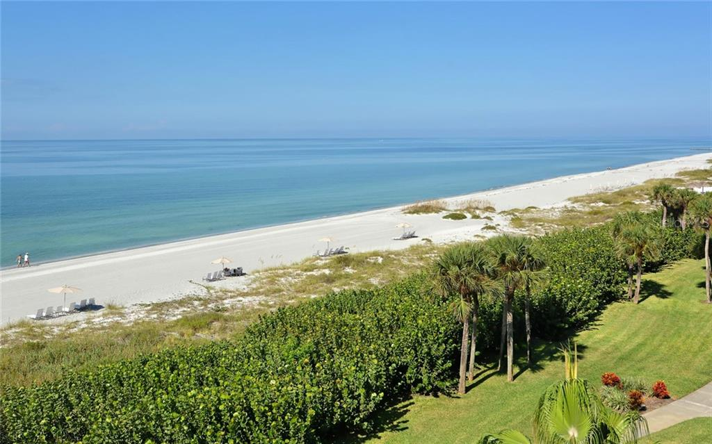 Boutique St Armands Circle - Condo for sale at 1125 Gulf Of Mexico Dr #202, Longboat Key, FL 34228 - MLS Number is A4427042