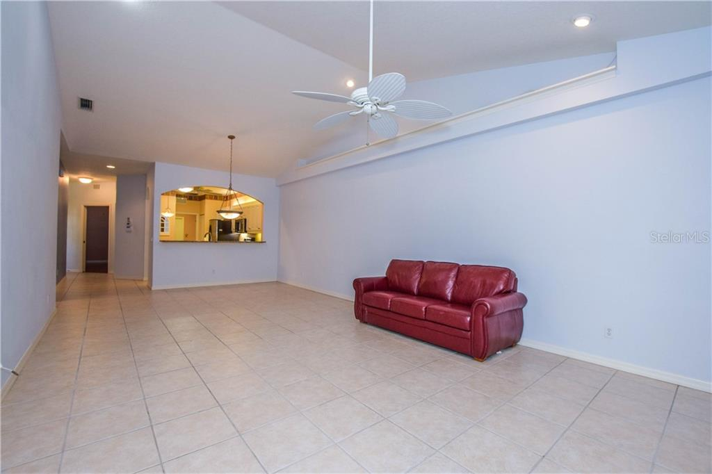 Villa for sale at 899 Tartan Dr #25, Venice, FL 34293 - MLS Number is A4427286