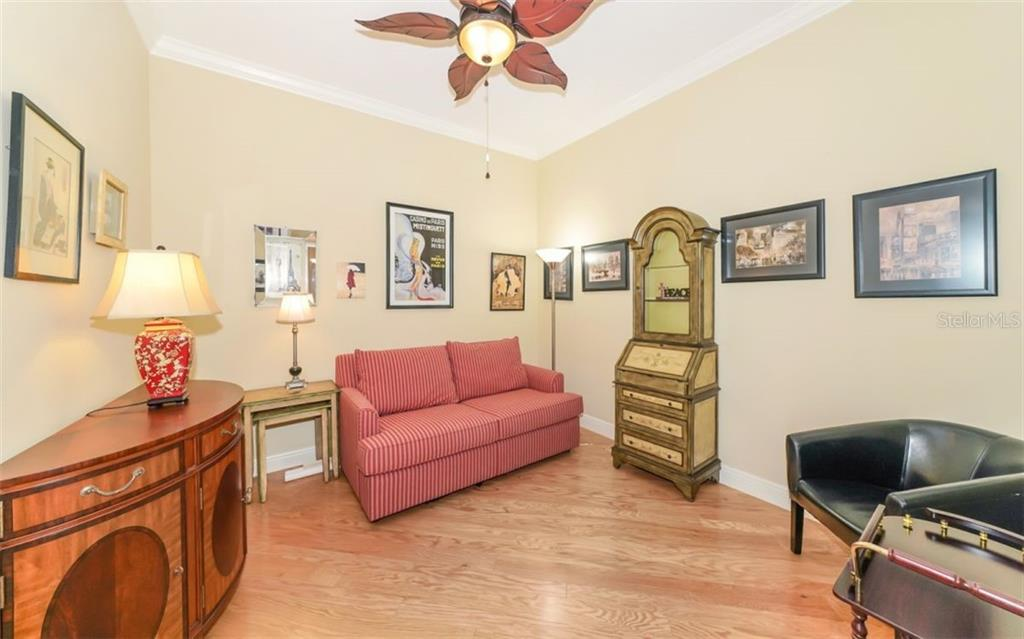Master bedroom - Condo for sale at 100 Central Ave #f1014, Sarasota, FL 34236 - MLS Number is A4428676