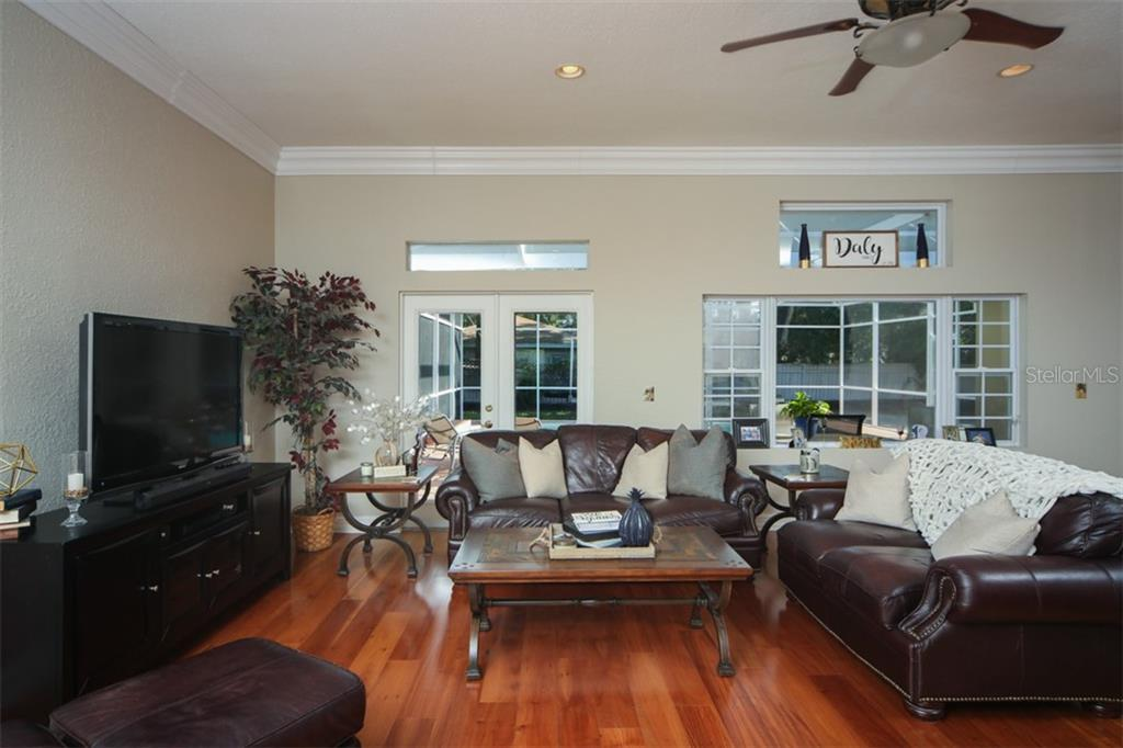 Single Family Home for sale at 1789 Loma Linda St, Sarasota, FL 34239 - MLS Number is A4429353