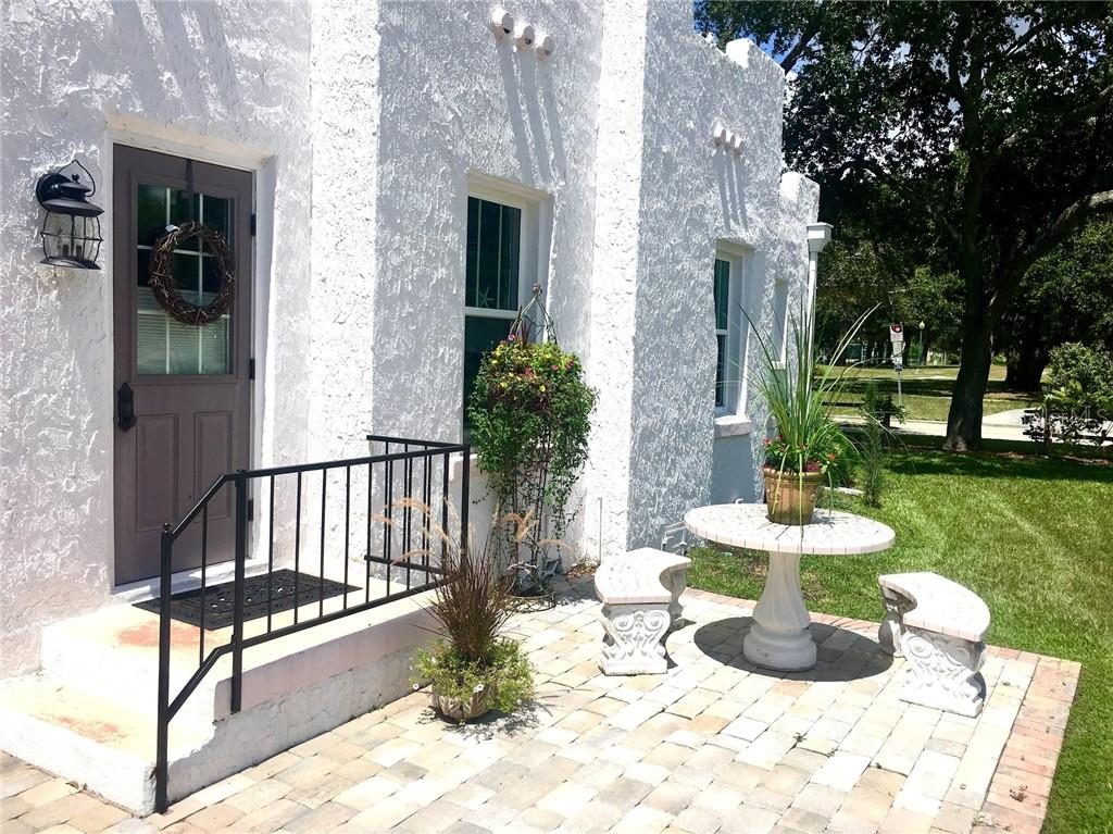 Single Family Home for sale at 707 N Osprey Ave, Sarasota, FL 34236 - MLS Number is A4429678
