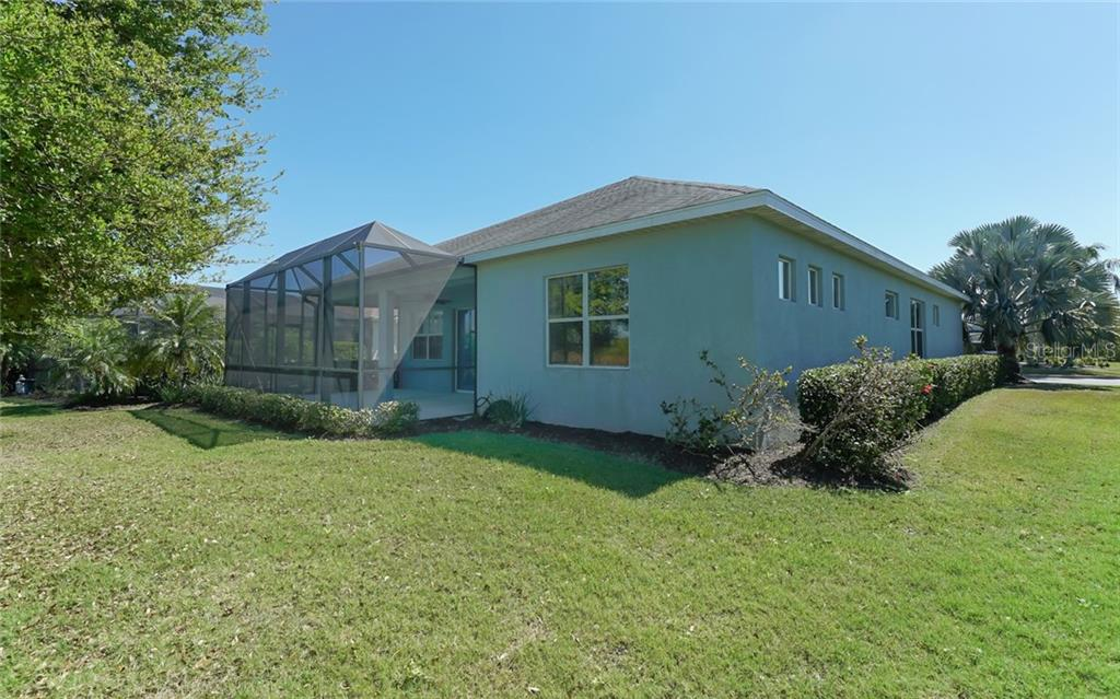 Single Family Home for sale at 11409 Griffith Park Ter, Bradenton, FL 34211 - MLS Number is A4429708
