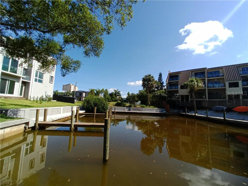 Townhouse for sale at 741 Rowe Pl, Sarasota, FL 34236 - MLS Number is A4431761