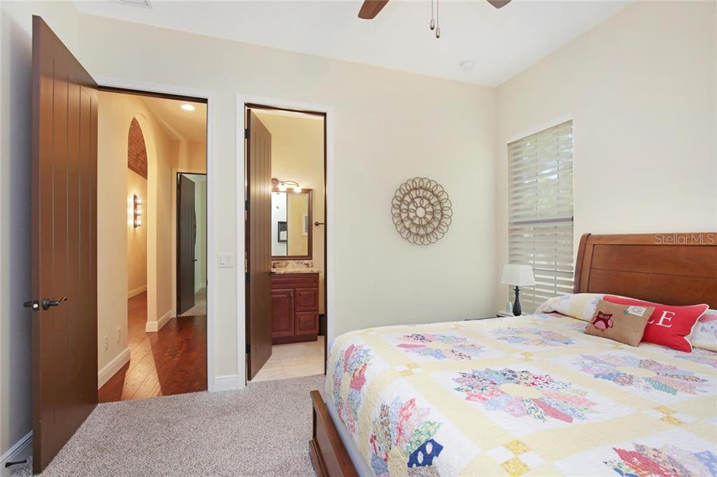 ensuite guest bedroom 2 - Single Family Home for sale at 1813 Boyce St, Sarasota, FL 34239 - MLS Number is A4433125