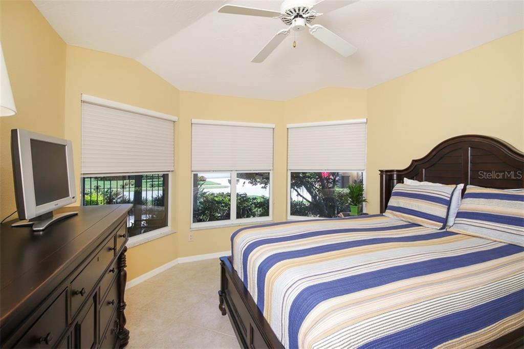 split bedroom plan with guest room towards front - Single Family Home for sale at 4448 Deer Trail Blvd, Sarasota, FL 34238 - MLS Number is A4435495