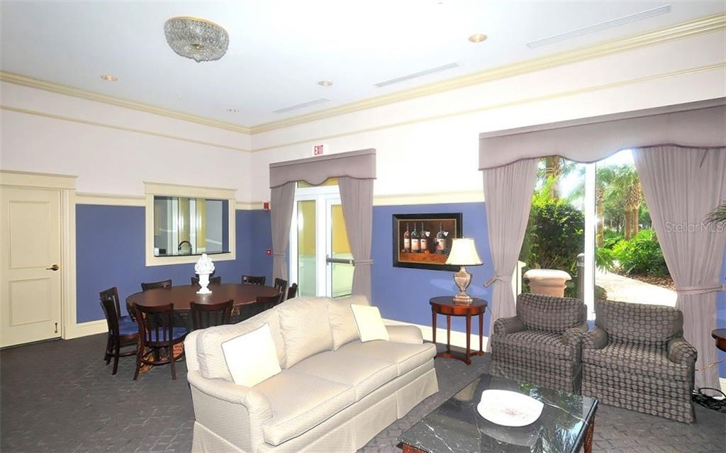 Common room - Condo for sale at 800 N Tamiami Trl #602, Sarasota, FL 34236 - MLS Number is A4436915