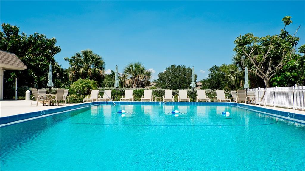 Condo for sale at 589 Sutton Pl #589, Longboat Key, FL 34228 - MLS Number is A4437351