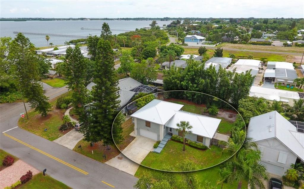 Single Family Home for sale at 8008 22nd Ave W, Bradenton, FL 34209 - MLS Number is A4438488