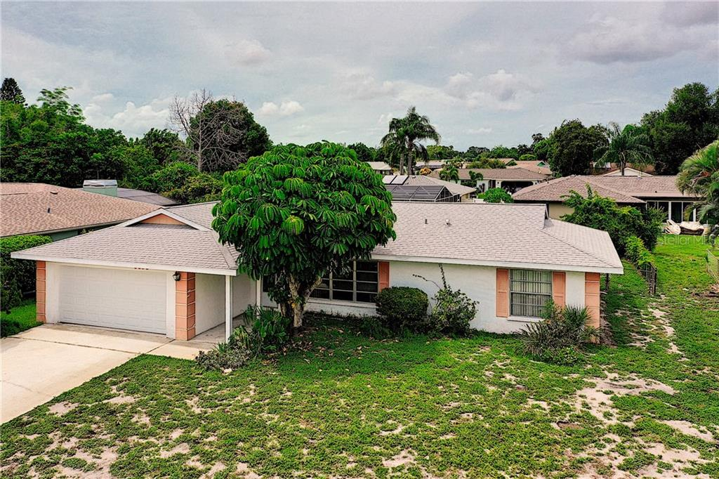 Single Family Home for sale at 6806 23rd Ave W, Bradenton, FL 34209 - MLS Number is A4438915