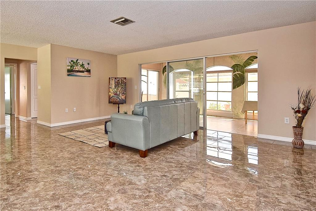 Single Family Home for sale at 5357 Fox Run Rd, Sarasota, FL 34231 - MLS Number is A4439702