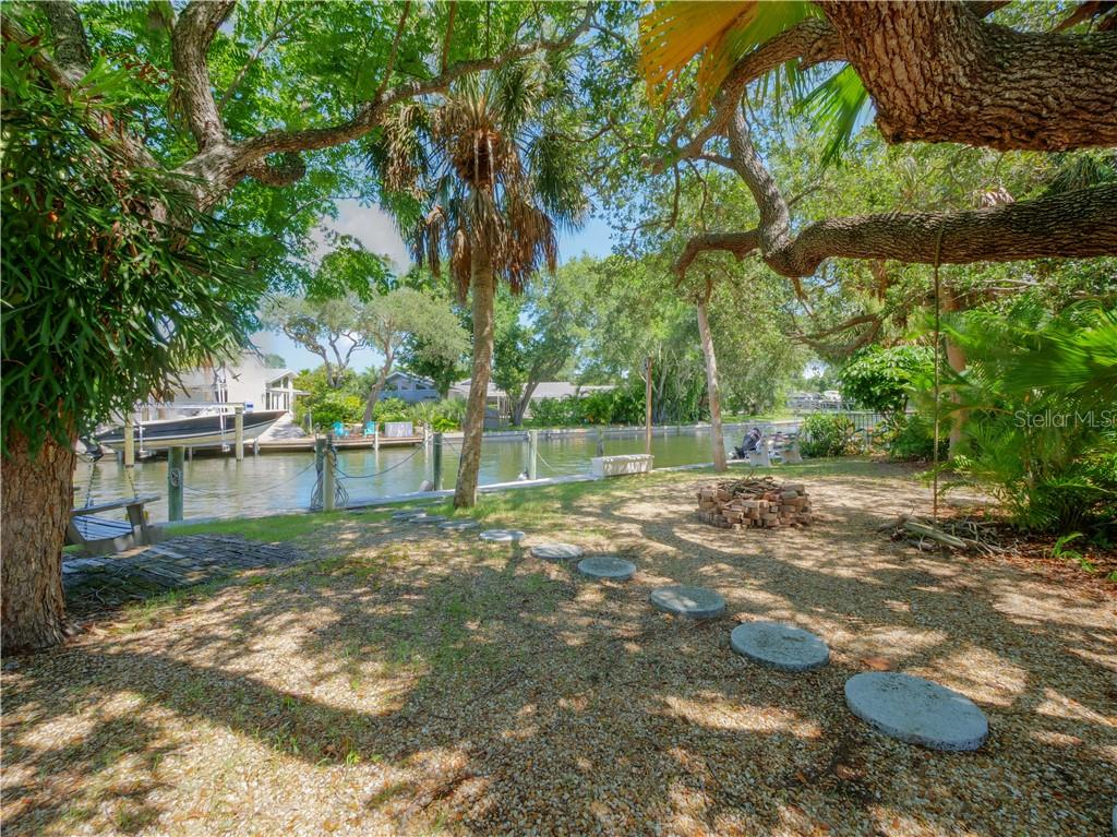 Single Family Home for sale at 4848 Oxford Dr, Sarasota, FL 34242 - MLS Number is A4440889