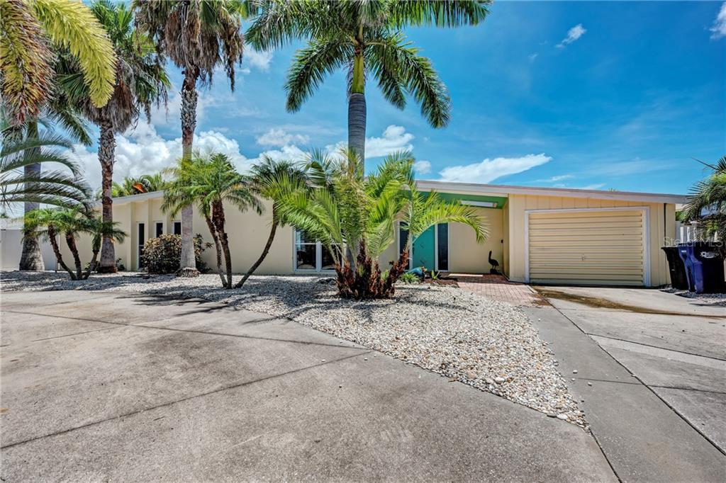 Single Family Home for sale at 9923 Spoonbill Rd E, Bradenton, FL 34209 - MLS Number is A4442243