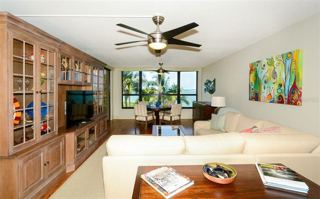 Condo for sale at 11 Sunset Dr #102, Sarasota, FL 34236 - MLS Number is A4447548