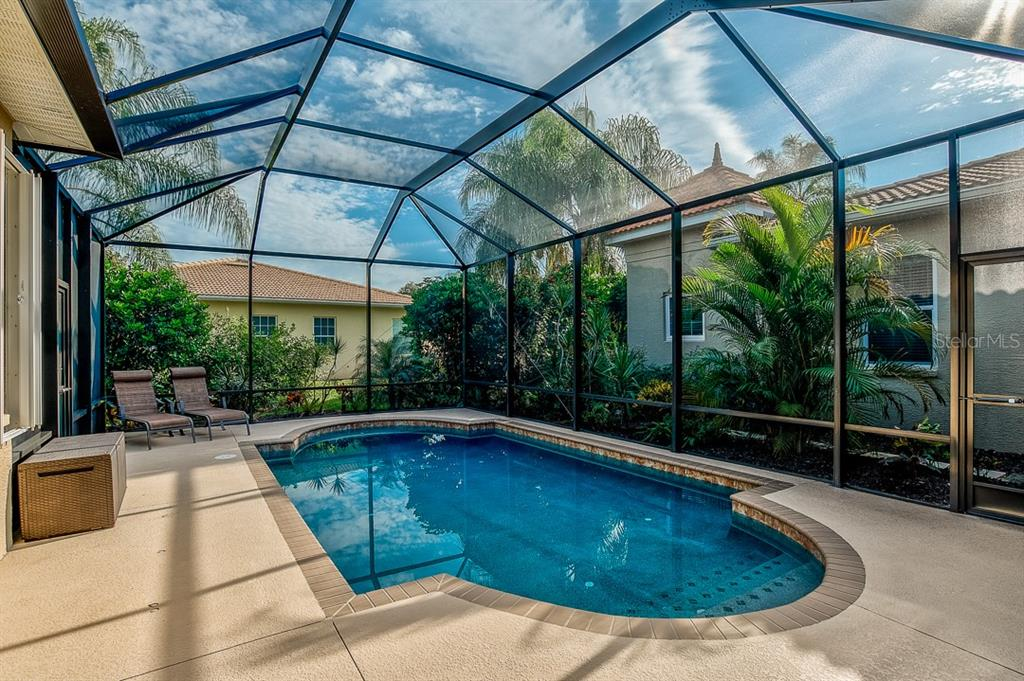 Single Family Home for sale at 405 Rio Terra, Venice, FL 34285 - MLS Number is A4448638
