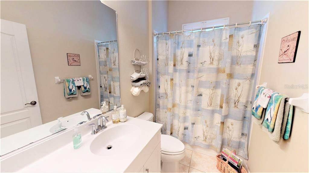 Bathroom 2 - Single Family Home for sale at 7288 Lismore Ct, Lakewood Ranch, FL 34202 - MLS Number is A4449934