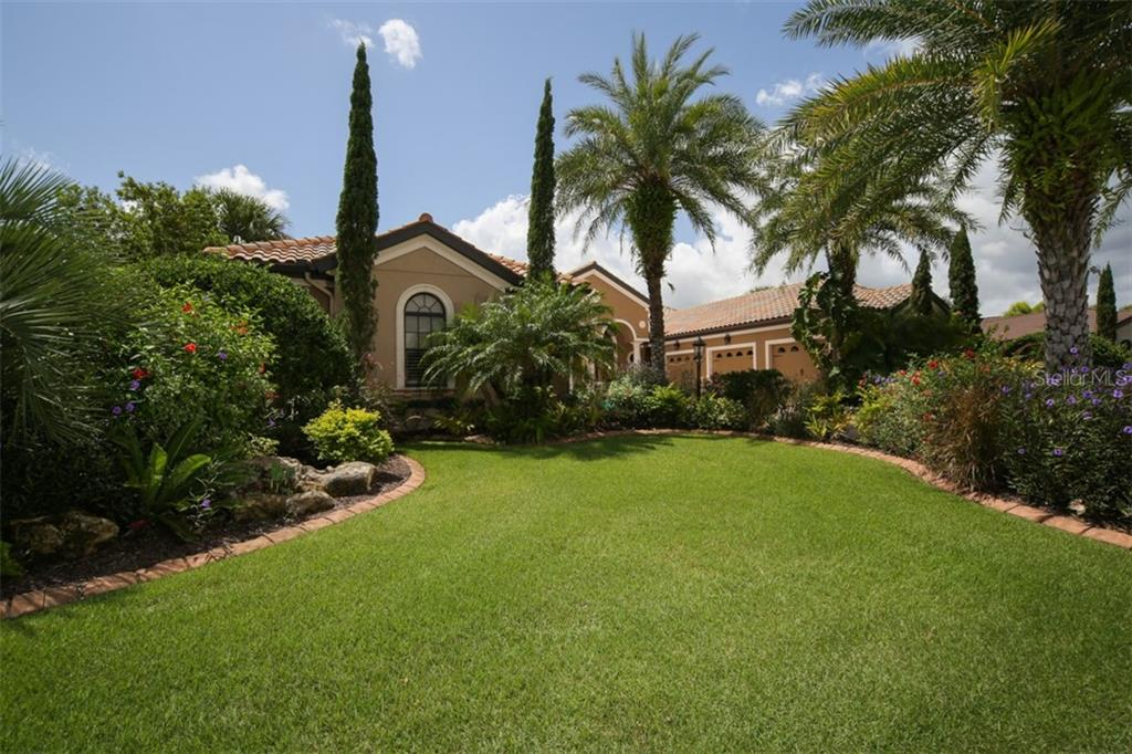 Stunning entry - Single Family Home for sale at 15212 Linn Park Ter, Lakewood Ranch, FL 34202 - MLS Number is A4450793