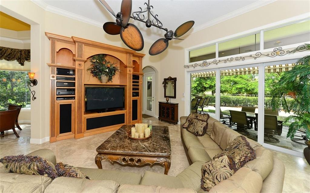 Spacious Family Room - Single Family Home for sale at 586 N Macewen Dr, Osprey, FL 34229 - MLS Number is A4451482