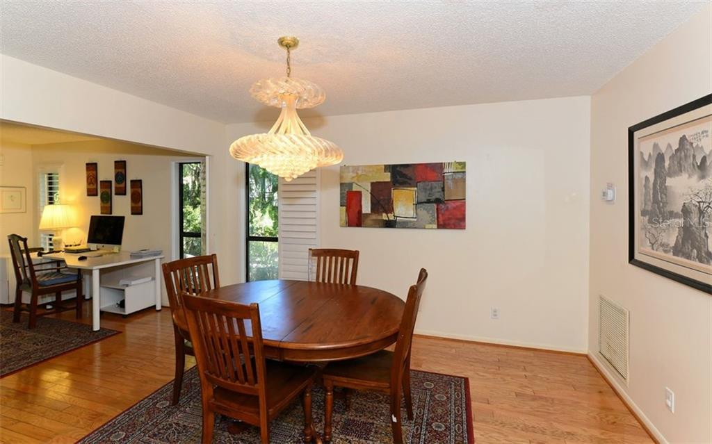 Condo for sale at 1372 Landings Pt, Sarasota, FL 34231 - MLS Number is A4452968
