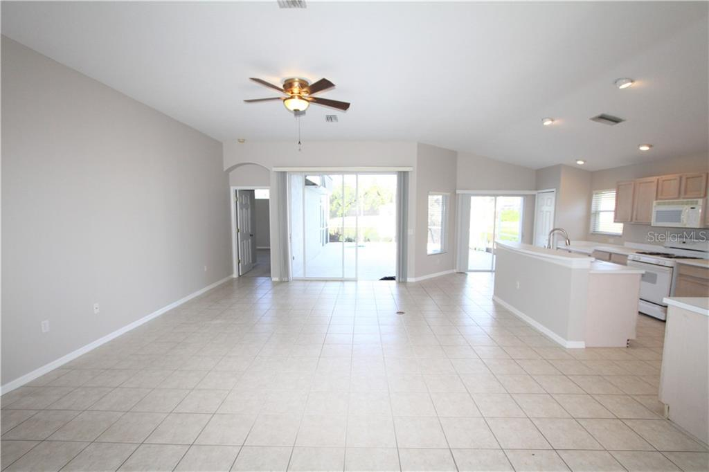 Single Family Home for sale at 11515 Sweetflag Dr, Lakewood Ranch, FL 34202 - MLS Number is A4453563
