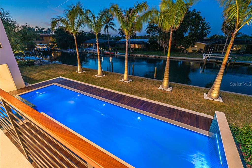 Single Family Home for sale at 545 Kingfisher Ln, Longboat Key, FL 34228 - MLS Number is A4454908