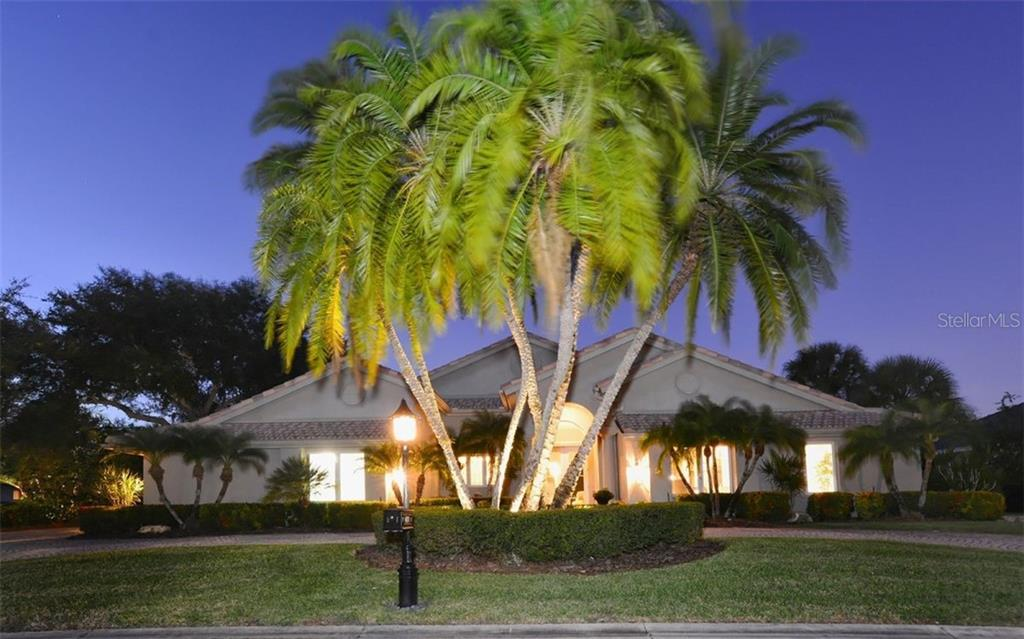 Single Family Home for sale at 4177 Escondito Cir, Sarasota, FL 34238 - MLS Number is A4456531