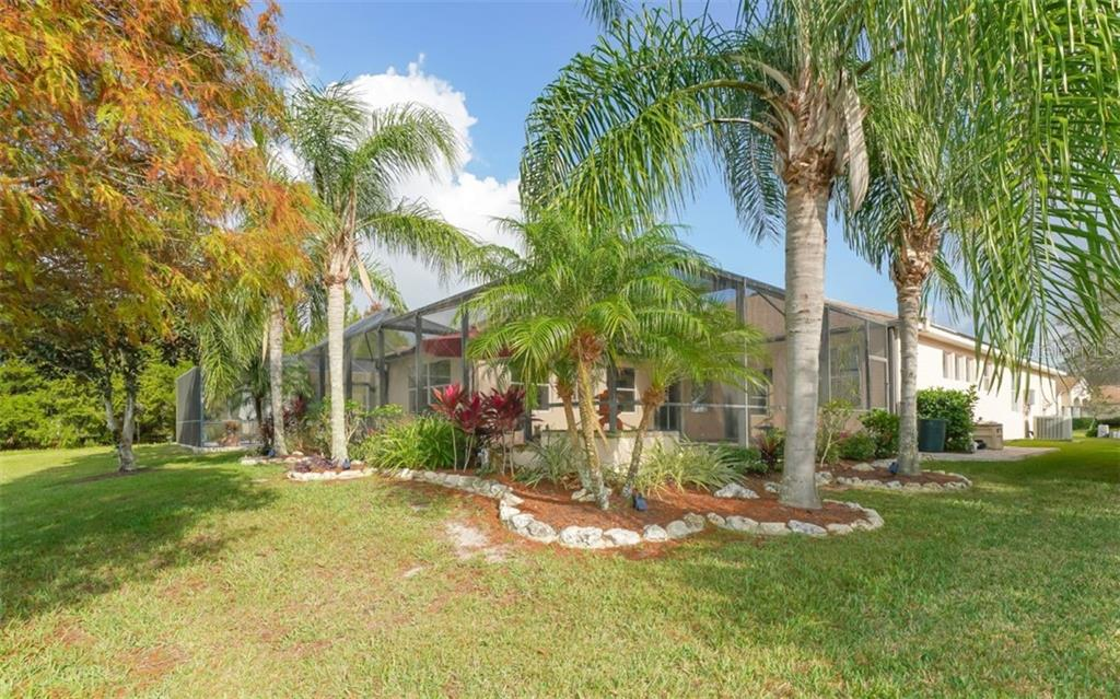 Single Family Home for sale at 6510 Field Sparrow Gln, Lakewood Ranch, FL 34202 - MLS Number is A4457243