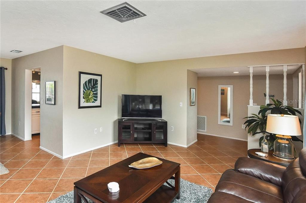Living room - Single Family Home for sale at 1758 Croton Dr, Venice, FL 34293 - MLS Number is A4459877