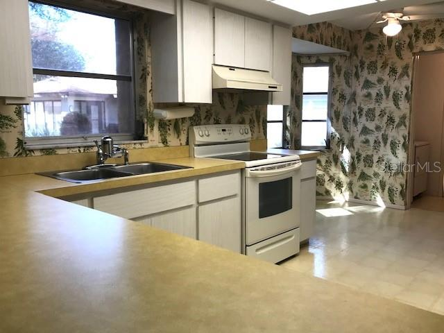 Kitchen - Villa for sale at 7149 Bright Creek Dr #34, Sarasota, FL 34231 - MLS Number is A4460169