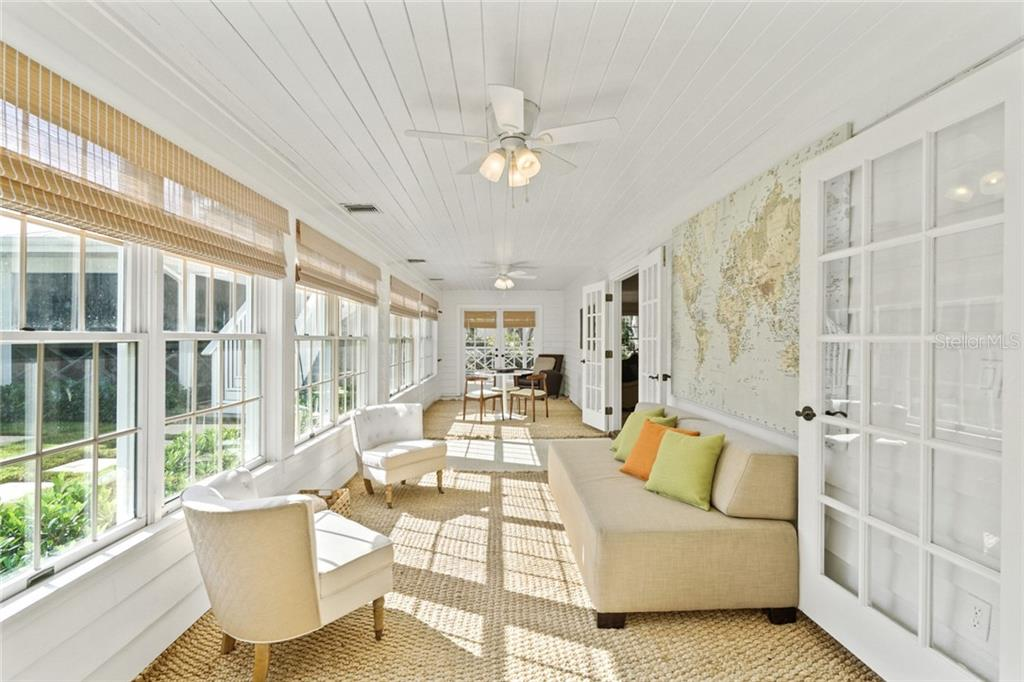 Single Family Home for sale at 1427 Pine Bay Dr, Sarasota, FL 34231 - MLS Number is A4460350